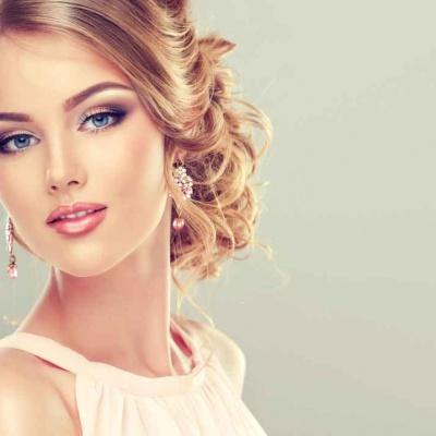 piękna hostessa z agencji hostess z Warszawy