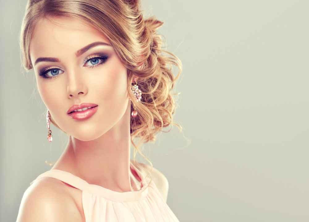 elegancka modelka z agencji hostess